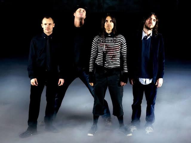 RHCP anuncia retorno de John Frusciante